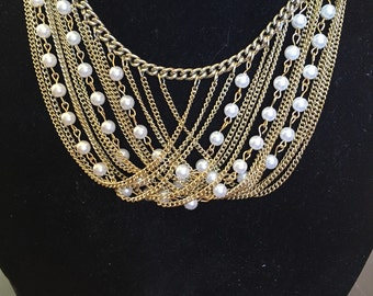 Draped in Pearls necklace
