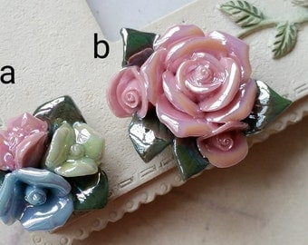 Two Holes and Flat Back Porcelain Cluster Roses  (t.h)(t.a)