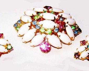 White Glass Brooch Earring Set Pastel Rhinstones Gold Metal Holiday Vintage