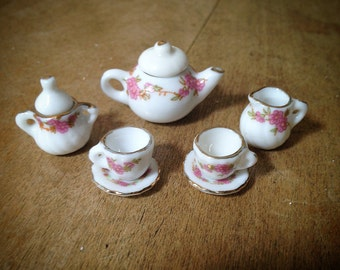 5 pc Mini Porcelain Tea Party Set - Charm Pendant Alice in Wonderland English Tea Cup Vintage Style Jewelry Supplies (AV052)