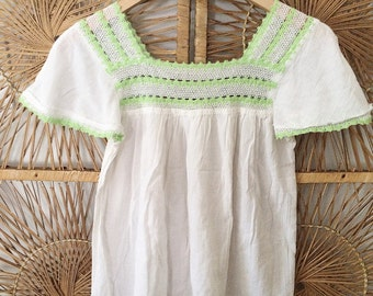 Vintage 70s Cotton Gauze Embroidered Peasant Mexican Top Blouse Shirt