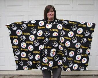 NFL Team poncho, Mens poncho, Steelers Poncho, fleece Poncho, sports poncho, football, poncho for men, Hooded poncho, Choose your team