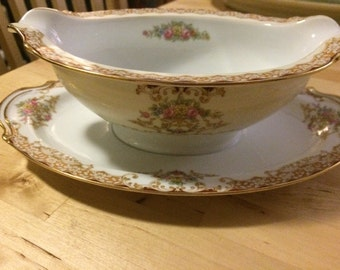Noritake Rosebud 6002 Gravy Boat with Attached Underplate