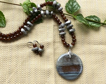Stunning 19 Inch Blue, Gray, and Brown Fire Agate Pendant Necklace with Earrings