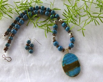 20 Inch Dark Turquoise and Brown Jasper Pendant Necklace with Earrings