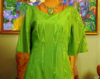 Mod 60s Spring Green Goddess Moire Gown . Vintage 1960's Elegant Lines .  Shimmering Jewel Tone Color . Bell Sleeves . Empire Waist . Prom .
