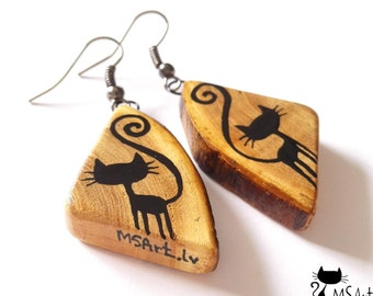 Handmade wooden triangle earrings with black cats (black, beige, brown, retro,seabuckthorn)