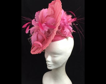 Pink hatinator, detailed with feathers