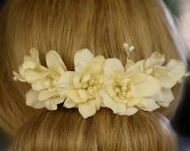 Silk Bridal Flower Comb, Flower Bridal Fascinator, Ivory Pearls Headdress, Floral Wedding Fascinator, Vintage Style Wedding Hair Accessory