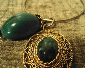 Boho Gypsy Inspired BOLD Green Emerald Colored Drop Pendant Charm Bracelet