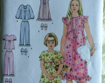 Simplicity Toddler Girls Pajamas Top Pants Gown Slippers Sewing Pattern 2831 UC FF Uncut Size 3 4 5 6