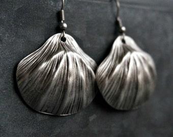 Silver Sea Shell Dangle Earrings Beach Earrings Boho Jewelry
