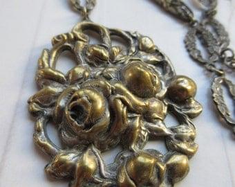 1930s Repousse Roses Necklace, Vintage Necklace, Roses Jewelry, Estate Jewelry, Romantic Vintage, Valentines Gifts, Unique Vintage Necklace