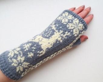 Wool fingerless gloves,merino wool gloves,gray white fingerless mittens,womens wrist warmers,winter fashion accessory,Christmas gift for Her