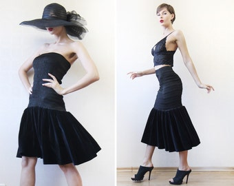 Vintage black velvet curvy fitted bodycon strapless midi dress or skirt two in one