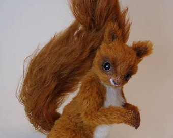 Squirrel sew your own. Ebook with 46 pages and pattern
