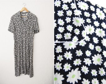 Vintage 90s Daisy Print 40s Style Dress / Button Up / Day Dress / Summer