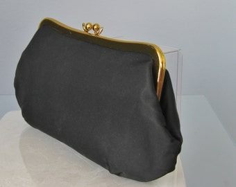 Black Faille Makeup Case / Vtg 60s / Small Clutch Bag / Plain and Simple Small Black Clutch Kiss Lock Clutch