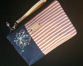 Patriotic Wristlet- Patriotic clutch - Red, White, Blue wristlet - Clutch Purse - Wristlet bag - Leather strap - Handmade - Handbag - Women