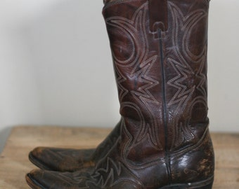 vintage mens brown leather cowboy boots by texas