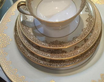 Vintage Dinnerware Set/Noritake/25 Pieces/4 Place Settings/Circa 1930/Gold Flower Trim Garland Pattern/Dinner Party/Christmas Gift