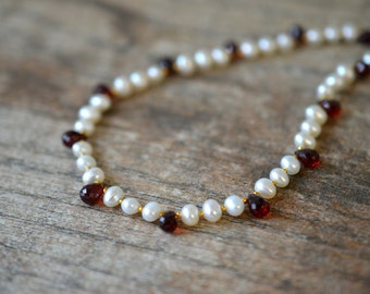 Delicate garnet teardrop necklace White freshwater pearl necklace Elegant garnet necklace Gemstone briolette necklace January birthstone