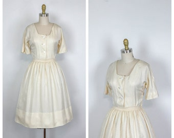 1950s Silk Shirtwaist Fit and Flare Wedding Dress • 50s Casual Short Sleeve Bridal Dress • Knee Length Cocktail Dress • Full Skirt • Small
