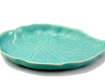 Vintage Pottery Leaf Decor Catchall in Turquoise Blue