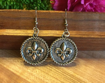 Earrings, Round Disc Fluer De Lis, Rope Accents, Antiqued finish, Free Shipping, USA # 111