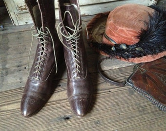Antique 1900s Edwardian Victorian Chestnut Brown Leather High Laced Boots