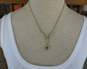 Vintage Necklace, Gold Toned, Single Red and Clear Rhinestones 16 + 3 Inches.  Excellent Condition