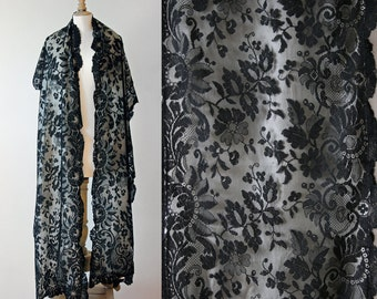 Antique long French evening scarf, black lace and off-white silk, 1900's.