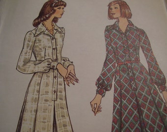 Vintage 1970's Vogue 8491 Dress Sewing Pattern, Size 10, Bust 32 1/2