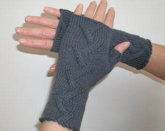 Cashmere fingerless gloves / wrist warmers grey