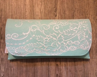 Clutch mint with lace