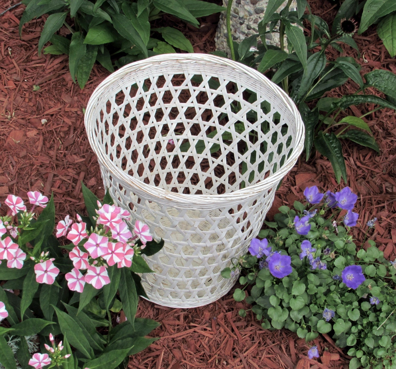 White wicker waste basket french country shabby chic - Shabby chic wastebasket ...