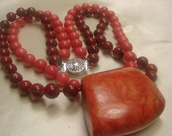 """Peach Jade-Double Strand Necklace- 97 grms-W Apple Coral- 8mm beads- Heavenly-15"""" long! 1625"""