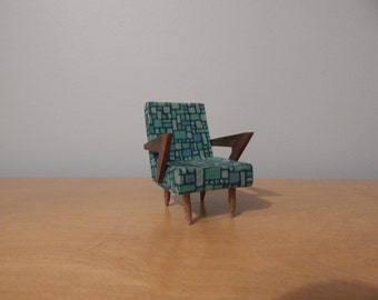 1:12 Scale Midcentury Modern Chair for a Dollhouse
