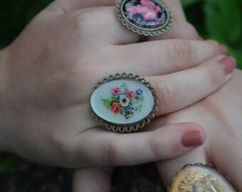 Petite Bloom Vintage Cameo Ring