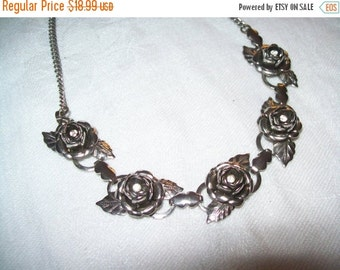 50% OFF Vintage necklace,  silvertone flower choker necklace, flower necklace, choker necklace, silvertone choker
