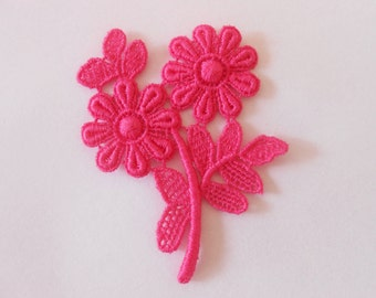 Cotton pink flowers of 6 x 5 cms