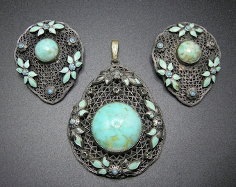 Gypsy Pendant and Shoe Clip Set