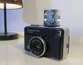 Vintage Afgamatic 100 Agfa Sensor Camera with one Flash Magicube and Original Case