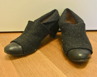 Size 7 1/2 Leather and Wool Heeled Shoes Vintage 1980s Women's Unique Heels Fold Over Pixie Shoes Dress Shoes
