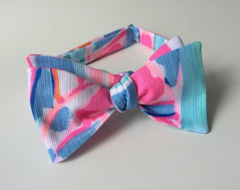 """Lilly Pulitzer """"Out to Sea"""" Fabric Bow Tie"""