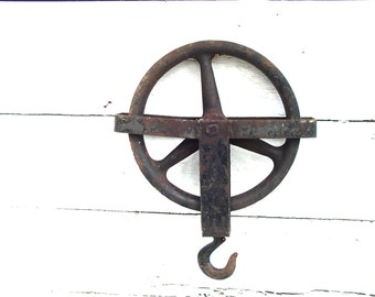 Vintage Well Pulley Industrial Iron Large - Barn Farm Decor - Salvage - Upcycle