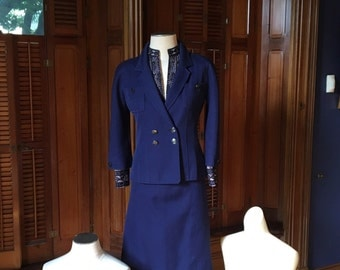 Vintage Chanel 2 pc navy cotton suit with silk lining and chain detail 40