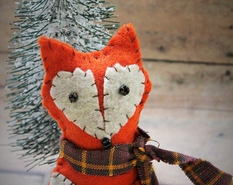 Felt fox ornament-Handmade forest friend fox-felt ornament-baby room decor-fox party favors-Fox Christmas ornament-woodland