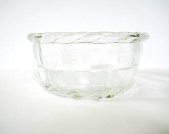 Vintage Clear Glass Basketweave Bowl, Basketweave Bowl, vintage basketweave bowl, vintage glass bowl, vintage basketweave bowl