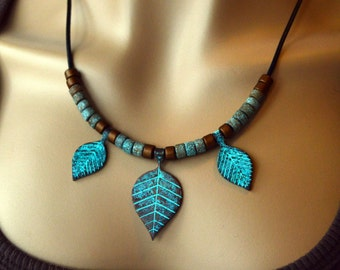 Antique Patina Triple Leaf Necklace in Bronze & Green, Nature Jewelry, Leaf Necklace, Leather, Ceramic, Metal
